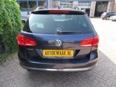 Volkswagen-Passat-4