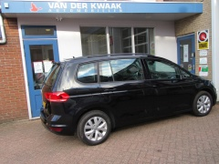 Volkswagen-Touran-30