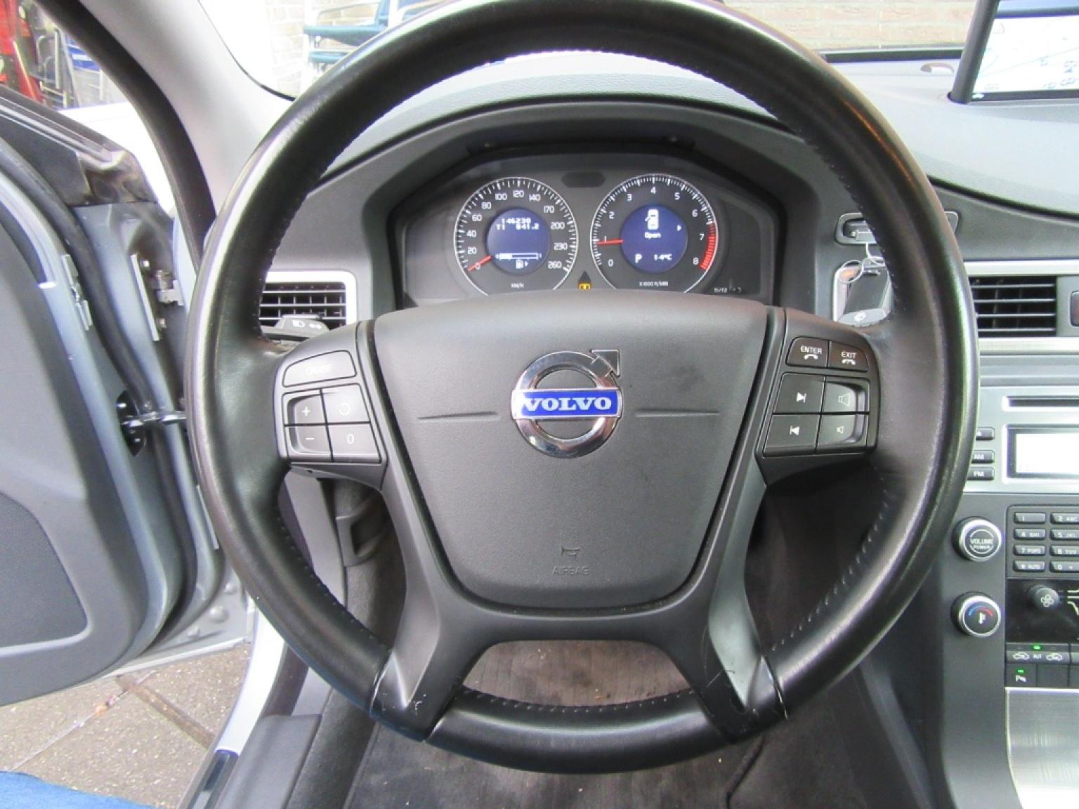 Volvo-S80-12