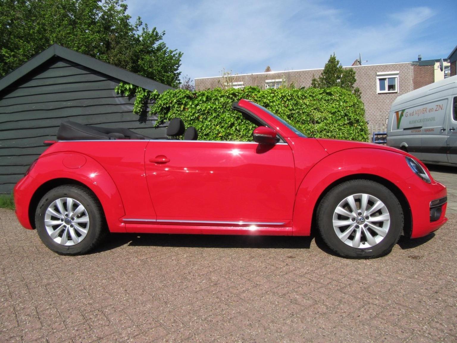 Volkswagen-Beetle-2