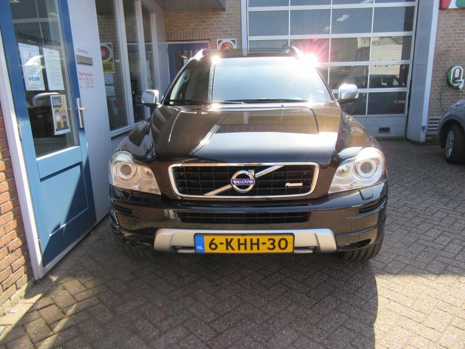 Volvo-XC90-24