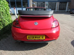 Volkswagen-Beetle-6