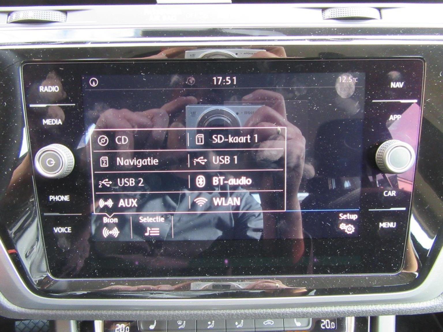 Volkswagen-Touran-9