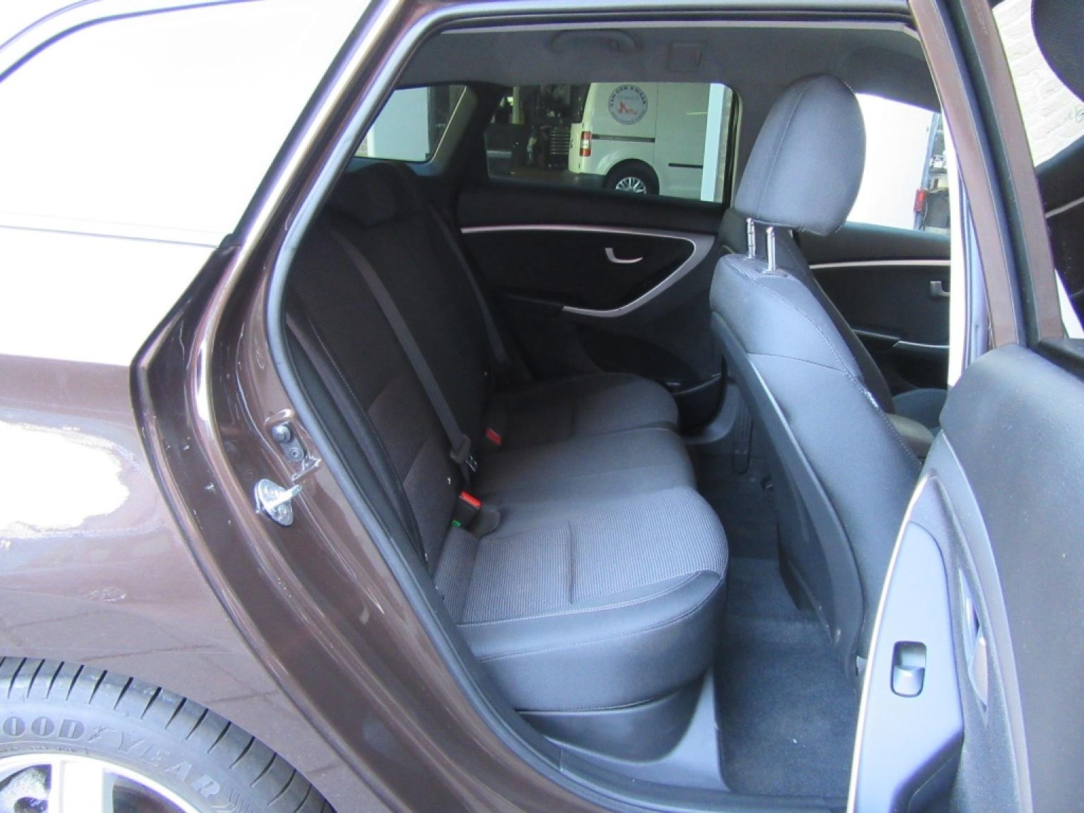 Hyundai-i30-18